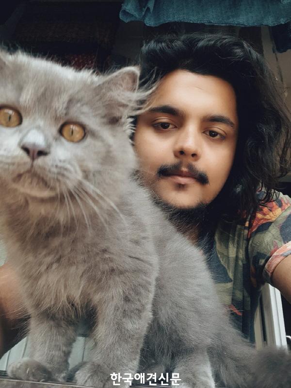 cat-comics-helps-depression-yash-pandit-5dcd1b0b538b4__700.jpg